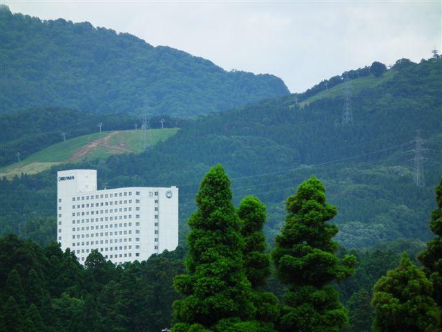 砺波ロイヤルホテルと夢の平スキー場
