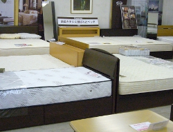 初音の家具