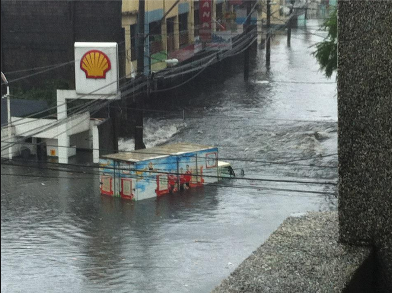 グラフィックス洪水メラニー宅