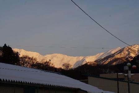 早朝散歩谷川岳