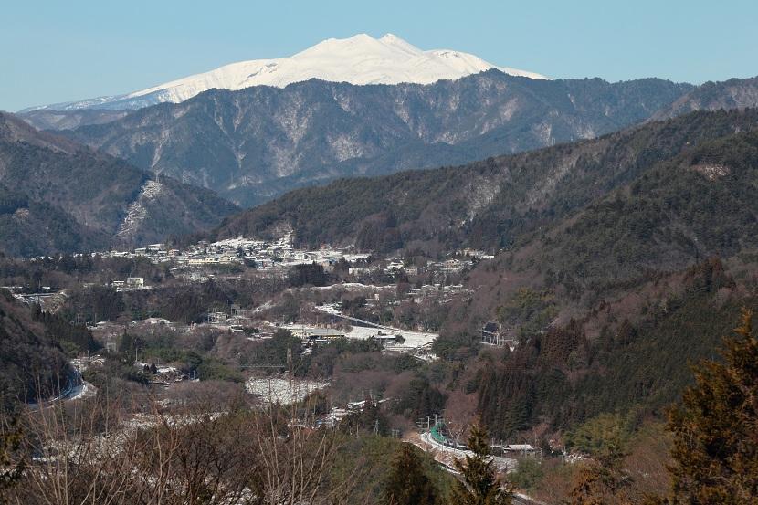 はるか望むは木曽の御岳山ならぬ乗鞍岳・・・