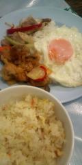 炒飯、目玉焼き、炒め物2種(辛いの以外)