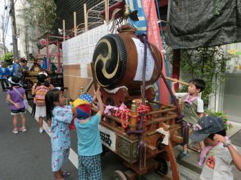 近所のお祭り1
