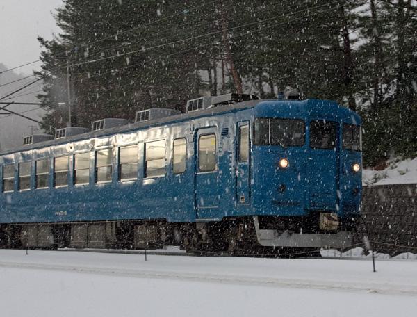 青い電車1
