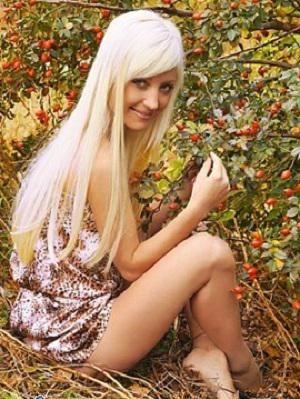 金髪ブロンド女性