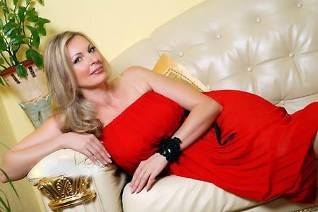 巨乳ロシア人女性