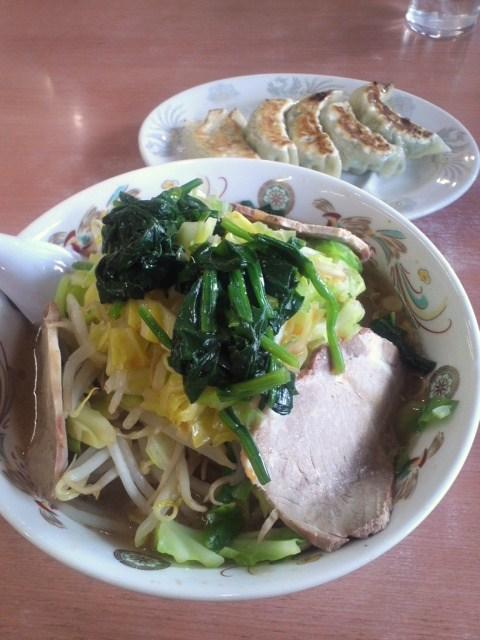 野菜ラーメンと横浜餃子