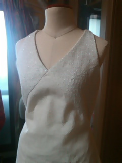 バストにラインを入れたドレス2。