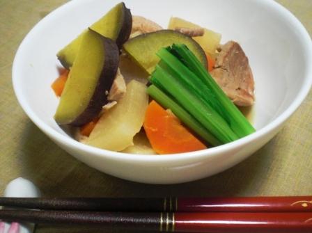 豚ヒレと根菜の煮物
