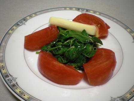 トマトとモロヘイヤサラダ