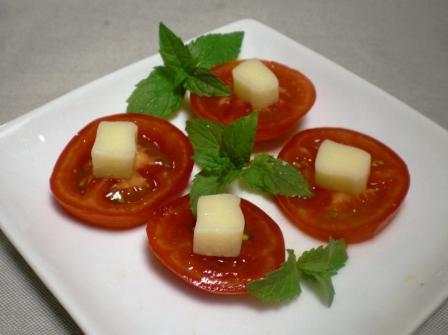 ぺディトマトのボーノチーズのせ
