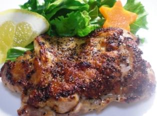 鶏もも肉の黒胡椒焼き拡大