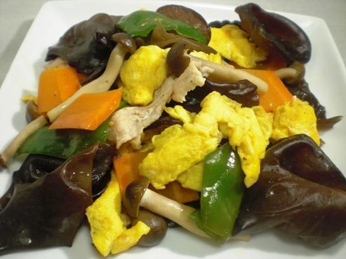 生きくらげと卵のサラダ(B)