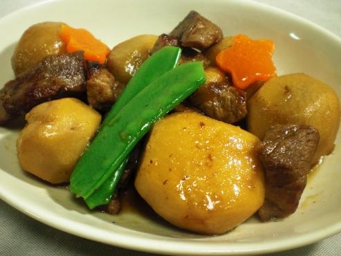 里芋と牛肉の煮込み