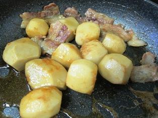 里芋の照り焼き調理②