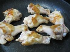 鶏手羽焼き豆腐フライパン