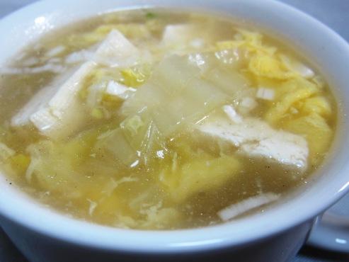 白菜と卵のスープ大