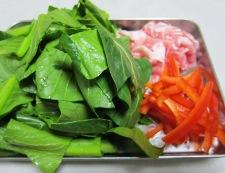小松菜と豚肉のオイスターソース炒め 材料