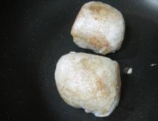 卵の肉巻き フライパン①