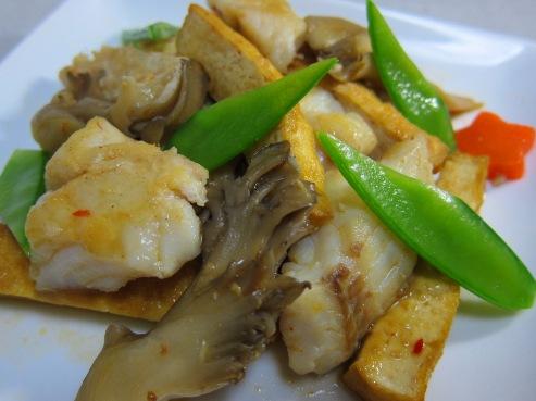 厚揚げと白身魚のピリ辛炒め大