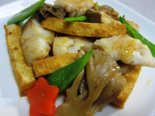厚揚げと白身魚のピリ辛炒め(B)