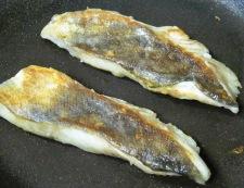 白身魚のあさりバターソース フライパン②