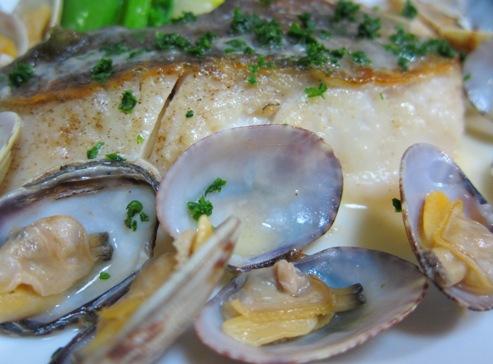 白身魚のあさりバターソース あさり拡大