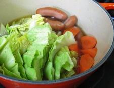春キャベツとソーセージの煮込み 調理④