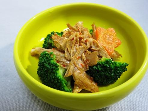 ブロッコリーと鶏ささみのピリ辛和え