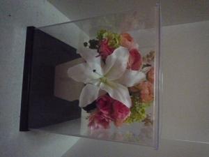 ケース入りの花2
