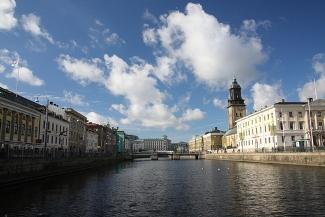 sweden-goteburg-canal.jpg