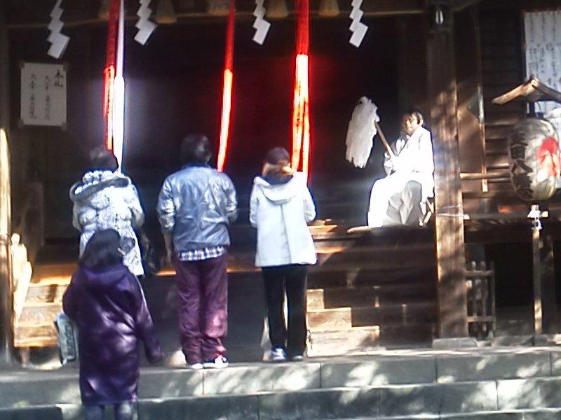 F1000372土支田八幡神社の神主さん