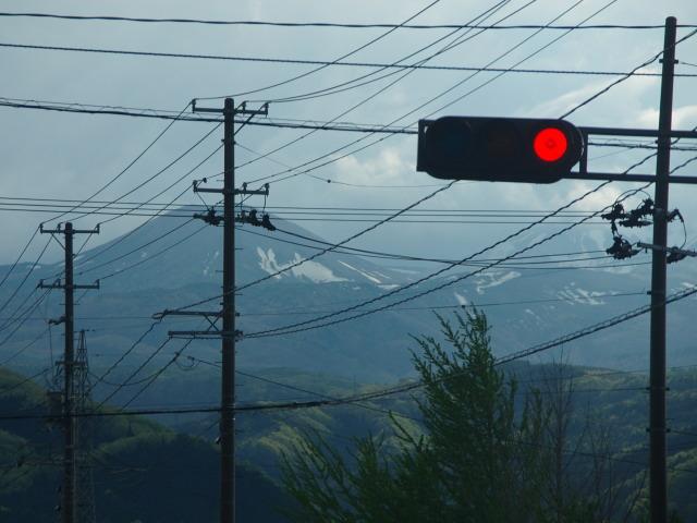 赤信号と雪うさぎ