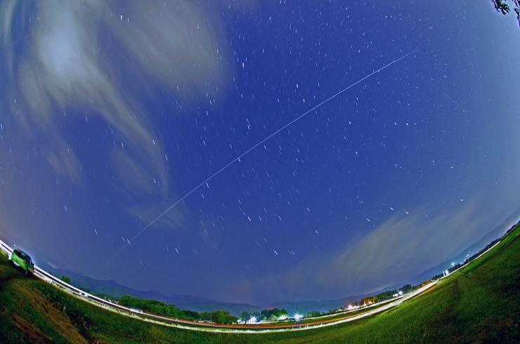 福島上空 「きぼう」のアーチ