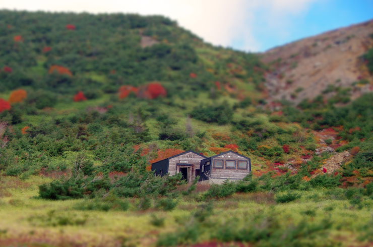 秋の酸ヶ平避難小屋