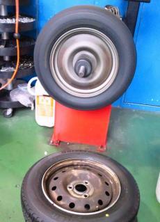 タイヤ11R
