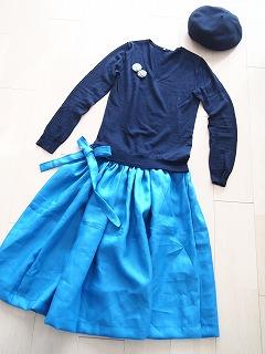青いリネンのラップスカート