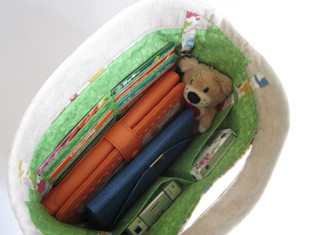スマイリーキャットのバッグインバッグ3