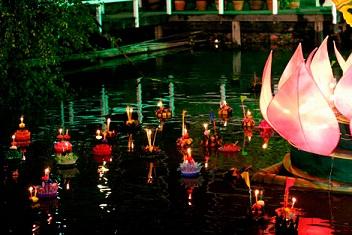 タイ 灯篭