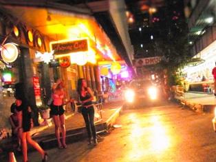 シーロム・サラデーン Thailand Silom Saladaeng1