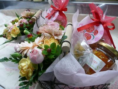お花とお菓子・コンフィチュール・ハーブティーのセット