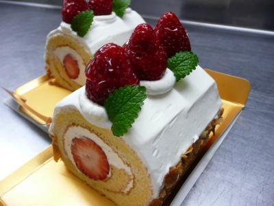プチ・いちごロールケーキ