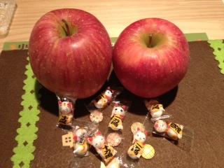 ねこちょことリンゴ