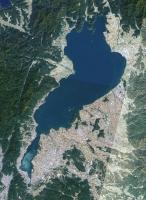 Lake_biwa.jpg