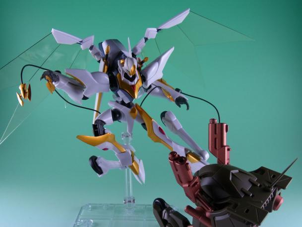 120502ロボット魂 ランスロットアルビオン ポージング4