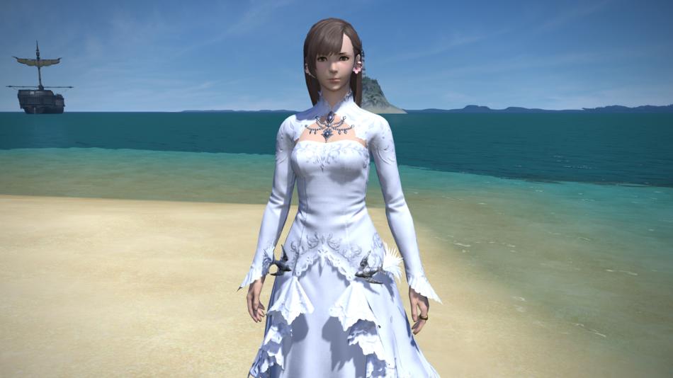 SSだと少し分かりにくいですが、エターナルドレスはイノセントドレスやパッションドレスと少しデザインが異なり、胸の上の部分と腰の辺りの部分に刺繍が施されてい