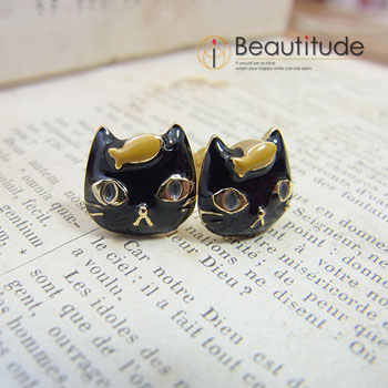どや顔ネコとおさかなのピアス[黒猫ジジ]1