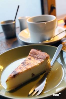 チーズケーキと珈琲