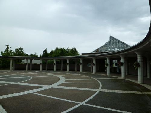 梅雨空の植物園
