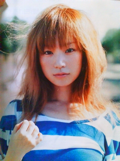 これはアーティストであり、いつまでも童顔なYUKIだからこそで同年代の一般人がこの髪型を真似しちゃうのは危険です。 これは美人に見える髪型ではありません。